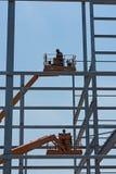 Construcción de acero de un edificio industrial bajo construcción Fotos de archivo