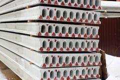 Construcción de bloques de cemento reforzados imagen de archivo libre de regalías
