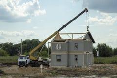 Construcción de la cabaña de dos pisos Imágenes de archivo libres de regalías