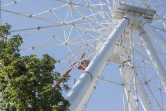 Construcción de la noria 65 metros Fotos de archivo libres de regalías