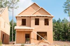 Construcción de la nueva casa imágenes de archivo libres de regalías
