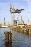 Construcción de la plataforma petrolera Fotografía de archivo libre de regalías