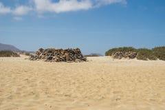 Construcción de la playa de Fuerteventura foto de archivo