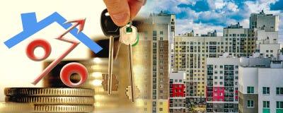 Construcción de nuevos edificios residenciales contra el cielo imagen de archivo libre de regalías