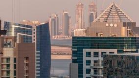 Construcción de nuevos rascacielos en timelapse aéreo del puerto de Dubai Creek Dubai - UAE almacen de video