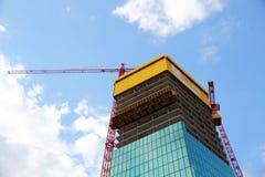 Construcción de un edificio moderno foto de archivo