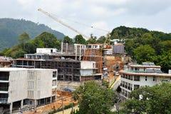 Construcción de un hotel en Asia sudoriental Imágenes de archivo libres de regalías