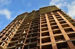 Construcción de un monolito del rascacielos Imagenes de archivo