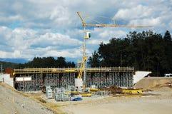 Construcción de un paso superior de la autopista sin peaje Foto de archivo libre de regalías