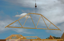 Construcción de un tejado Fotografía de archivo libre de regalías