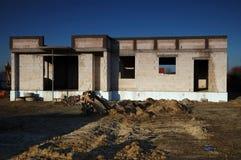 Construcción de una casa Imágenes de archivo libres de regalías