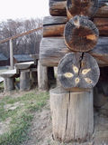 Construcción de una casa de madera foto de archivo