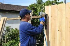 Construcción de una cerca Fotografía de archivo