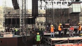 Construcción de una etapa del concierto
