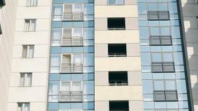 Construcción de viviendas abstracta que establece el tiro almacen de metraje de vídeo