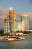 Construcción de viviendas de lujo de la línea de costa Foto de archivo libre de regalías