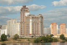 Construcción de viviendas en la región de Moscú Fotos de archivo libres de regalías