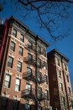 Construcción de viviendas vieja clásica, New York City Fotos de archivo