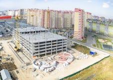 Construcción del centro comercial en Tyumen Imágenes de archivo libres de regalías