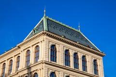 Construcción del museo del arte decorativo en Praga fotos de archivo