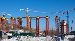 Construcción del puente. fotografía de archivo