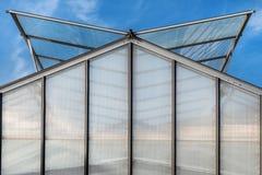 Construcción del tejado de un invernadero Fotos de archivo libres de regalías
