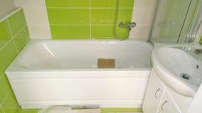 Construcción en el apartamento, cuartos de baño de la instalación Fotos de archivo libres de regalías