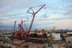 Construcción en el embarcadero, Baku, Azerbaijan Fotos de archivo