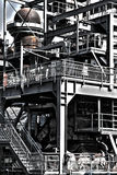 Construcción geométrica industrial en la fábrica vieja Imagenes de archivo