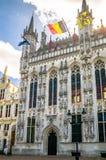 Construcción histórica en el centro de Brujas Bélgica imagenes de archivo