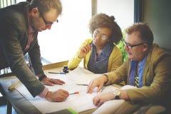 Construcción interior Team Meeting Brainstorming Concept foto de archivo