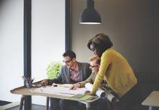 Construcción interior Team Meeting Brainstorming Concept imagenes de archivo