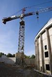 Construcción y una grúa Foto de archivo