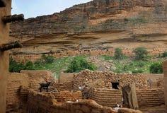 Construcciones de la tribu de Dogon Foto de archivo libre de regalías