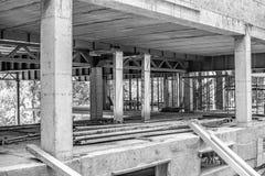 Construcciones de un edificio bajo la construcción o cuarto foto de archivo
