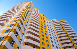 Construcciones de viviendas altas bajo construcción Foto de archivo libre de regalías