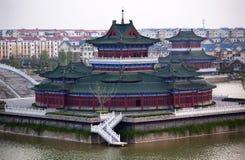 Construcciones de viviendas antiguas del templo Kaifeng China Fotos de archivo