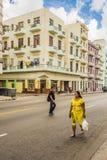 Construcciones de viviendas coloreadas pastel La Habana Foto de archivo