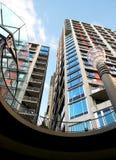 Construcciones de viviendas con el cielo Imagen de archivo libre de regalías