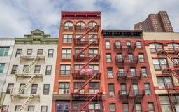 Construcciones de viviendas en Chinatown, Manhattan Fotografía de archivo