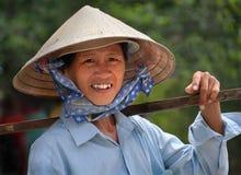 Constructeur de fruit de femme, Ho Chi Minh Ville, Vietnam Photos libres de droits