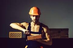Constructeur musculaire sexy d'homme photos stock