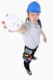 Constructeur retenant le détecteur de fumée Images libres de droits