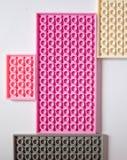 Constructeur rose sur un fond blanc Texture Concept de minimalisme, configuration plate, vue supérieure, fond image libre de droits