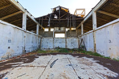 Construction abandonnée d'entrepôt Photo stock