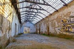 Construction abandonnée d'entrepôt Image stock
