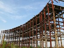 Construction abandonnée en métal Photographie stock