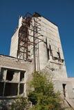 Construction cassée au site industriel Photo stock