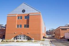 Construction d'ingénierie sur un campus universitaire Image stock
