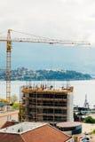 Construction d'un bâtiment à plusiers étages dans Budva, Monténégro Buil Images stock